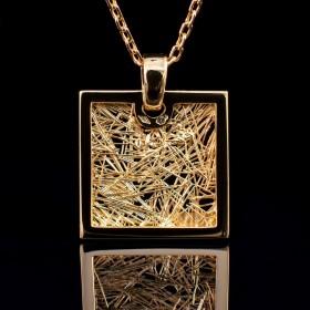 Pendentif Soie d'Or carré