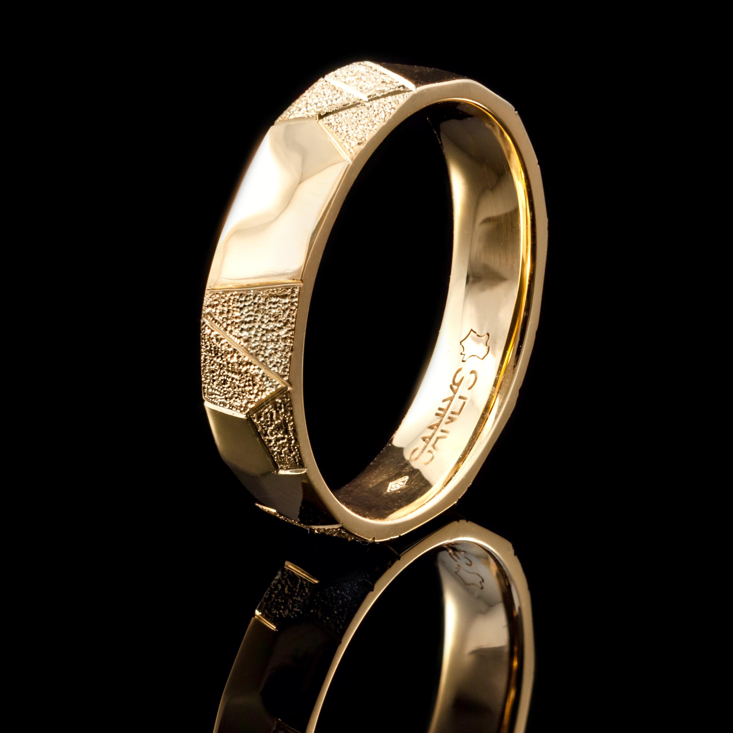 Les alliances sont réalisées notamment en or et en Palladium 500.